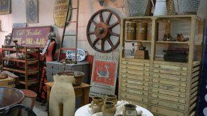 lunatiques-vintage-industrial-decorating-style