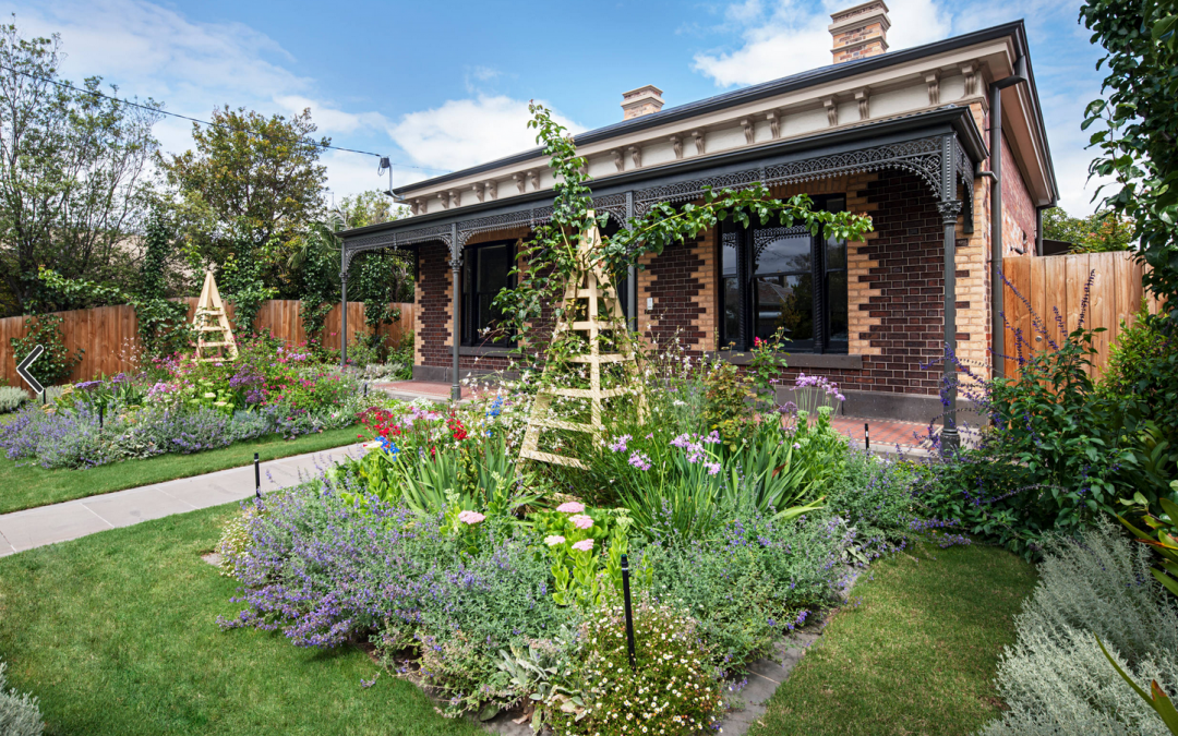 Landscape Design: Charming Cottage Garden