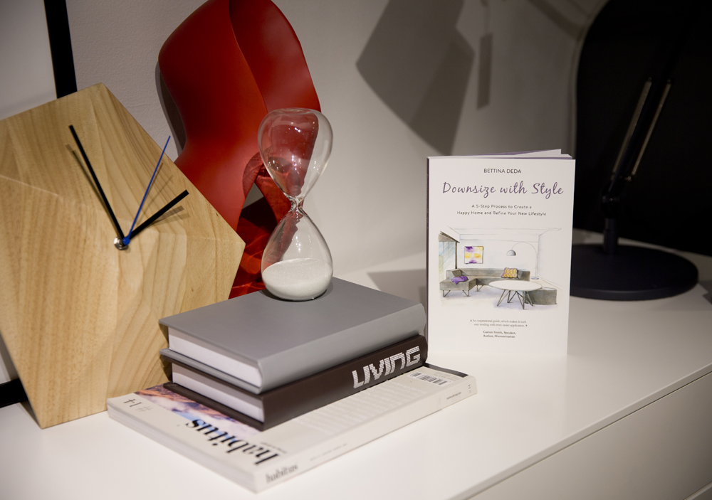 downsize-wth-style-vignette-decorating-style-books