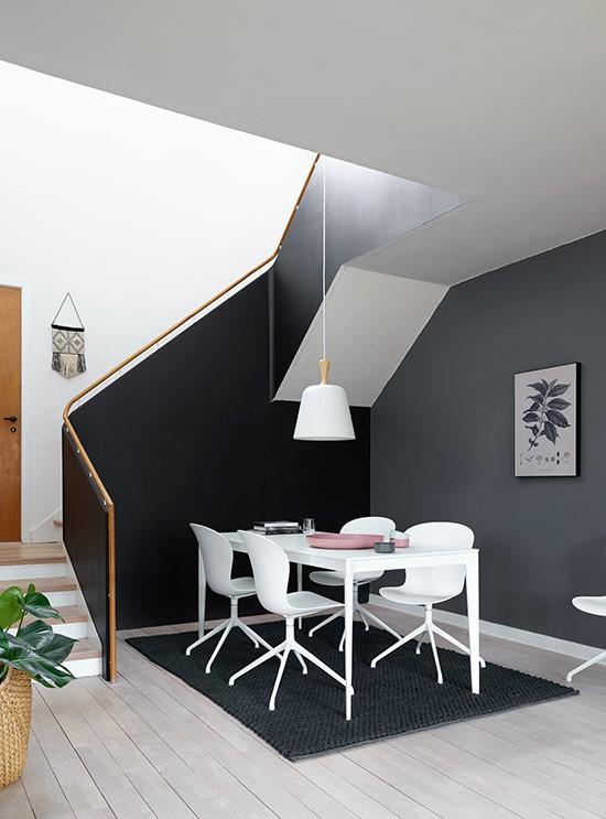 torino-dining-table-apartment-furniture-downsizing