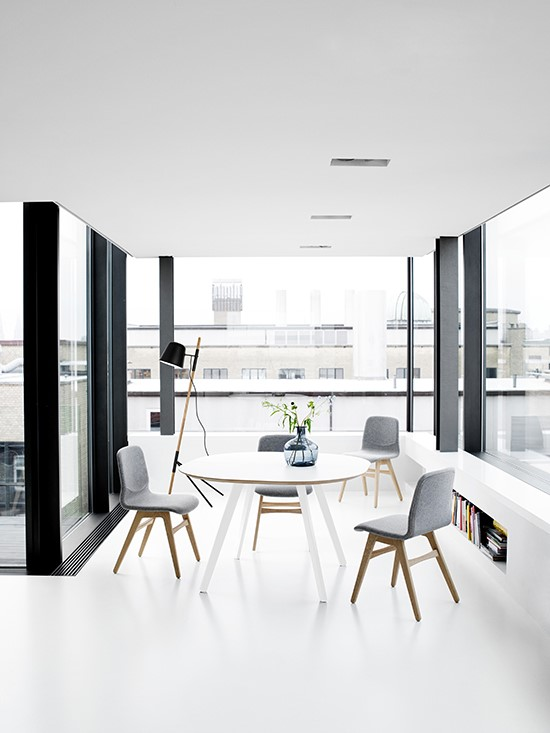 wembley-dining-table-apartment-furniture-downsizing